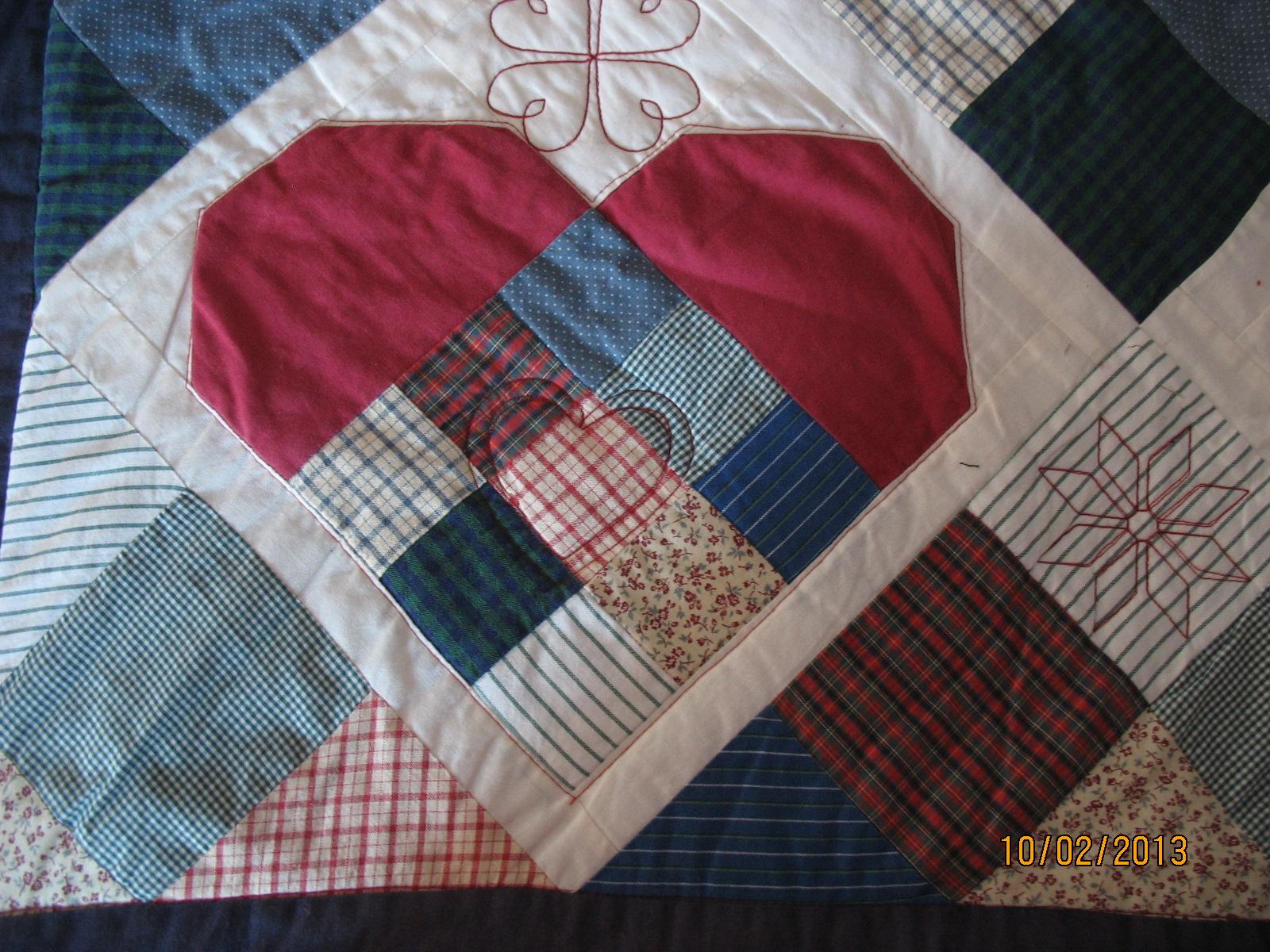 Herz auf alter Decke
