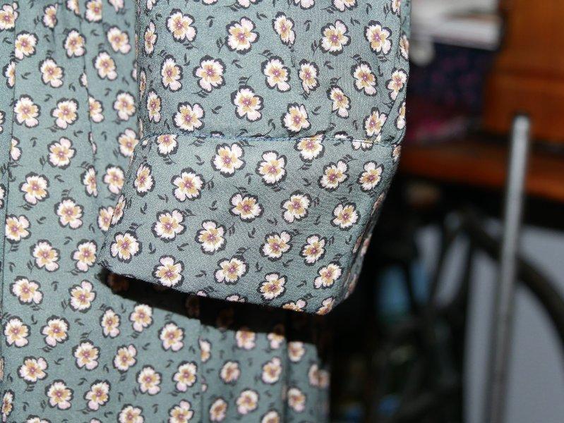 Manschettendetail am Lliria Dress von PaulineAlice, Bild Junipau