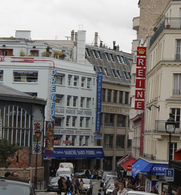 Stoffgeschäfte am Montmartre