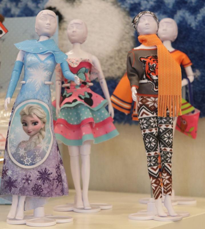 Kleider für Puppen