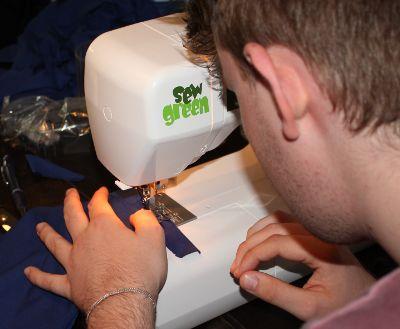 Jersey mit der Nähmaschine Elna Sew Green