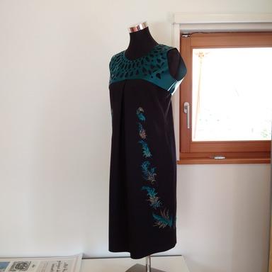 bernina_b_700_embroidery_musterkleid_512x384.jpg