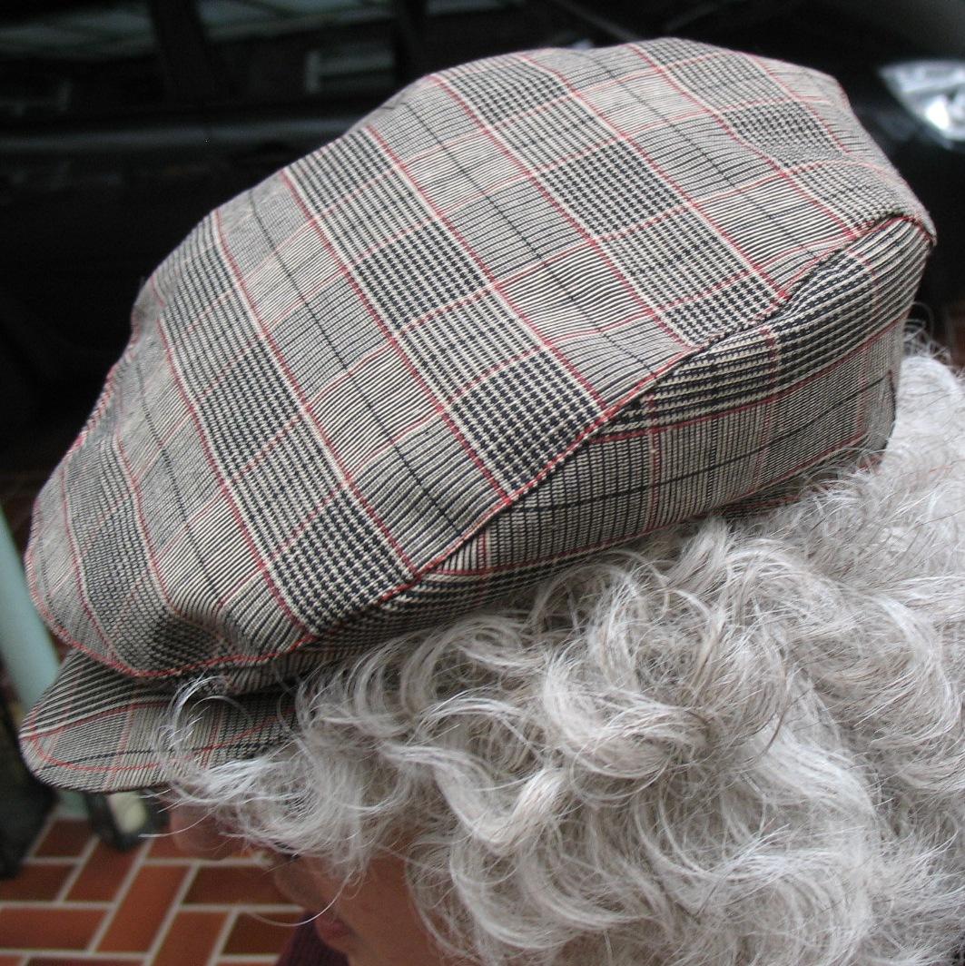 Buchbesprechung: Chapeau-Faszination Kopfbedeckung [Archiv ...